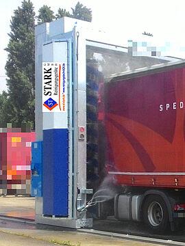 Stark Reinigungsgeräte GmbH - LKW Portalwaschanlage mit Seitenwäsche