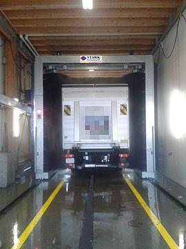 Stark Reinigungsgeräte GmbH - LKW Portalwaschanlage in Halle