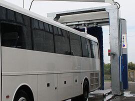 Stark Reinigungsgeräte GmbH - Portalwaschanlage für Omnibusse, Buswaschanlage